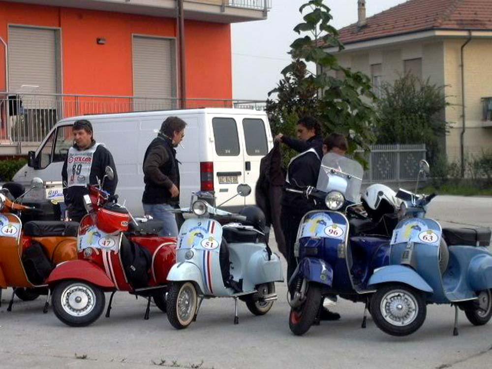 02/50 - Preparativi prima della partenza (foto Gianni Aprosio)